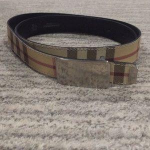 Classic Burberry Belt size 30/75